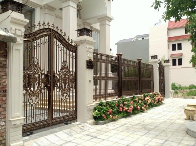 Luxury gate bac ninh asuzac acm japanese aluminum for Luxury fences